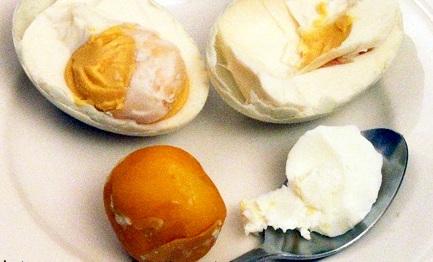 Menguasai Asia dengan Telur Asin Herbal