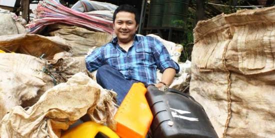 Kesuksesan Baedowy Bisnis Pengolahan Bijih Plastik Daur Ulang